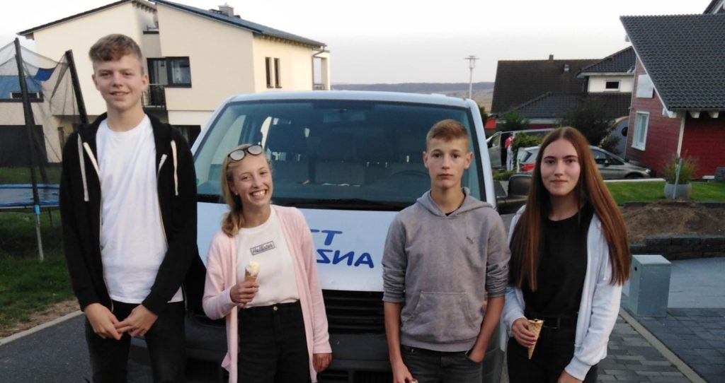 Jugend feiert Meisterschaft mit Pizza und Eis